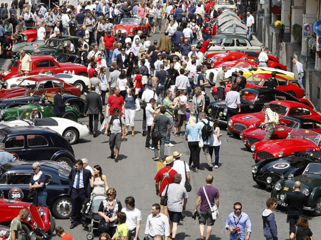 Cars for the Mille Miglia recreation. Perhaps not in Bologna but impressive, no?