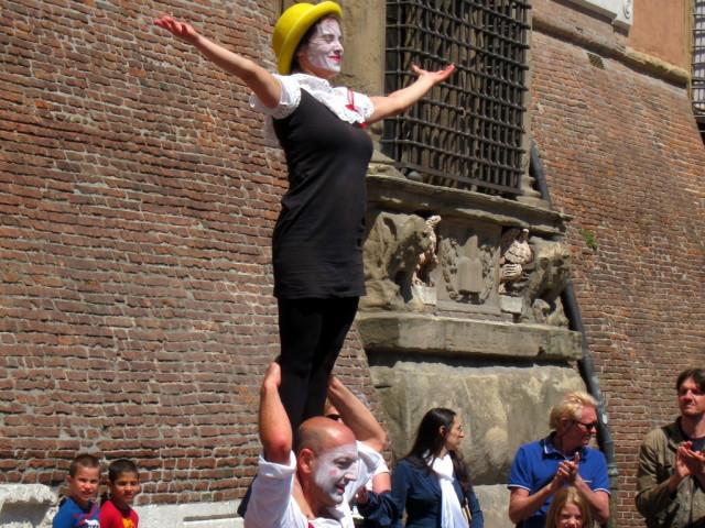 Mime dancers - cute