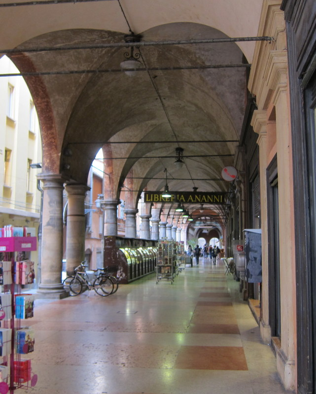 Another portico shot. Of of course regular readers probably have their fill of porticos by now.