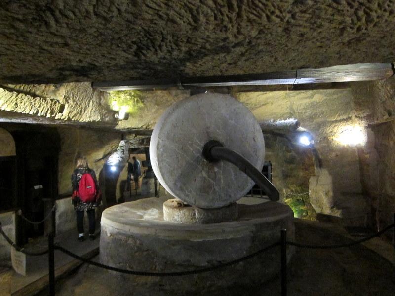 Frantoia millstones