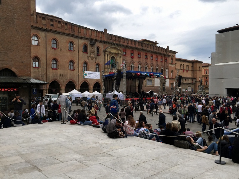 May Day preparation in Piazza Maggiore