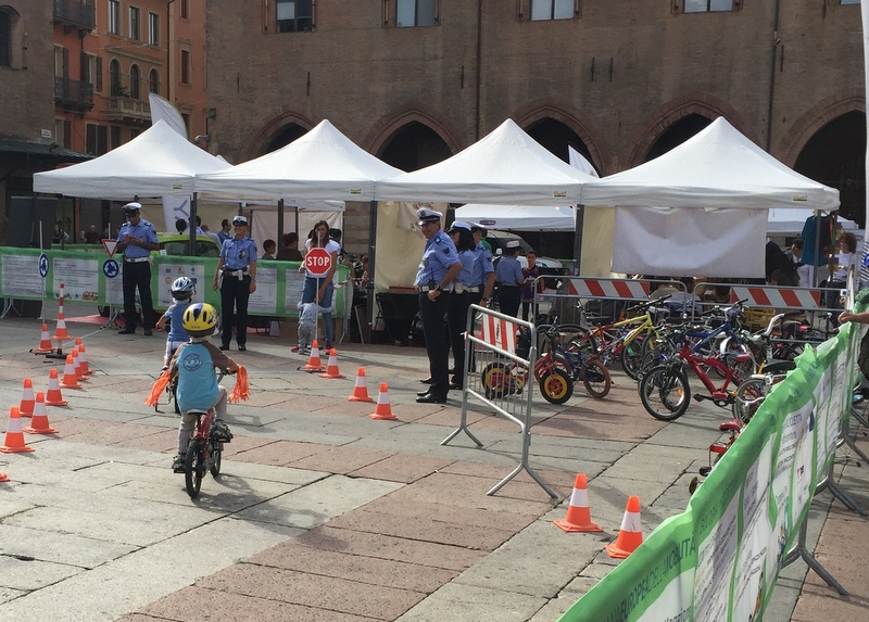 Little cyclists (piccoli ciclisti)