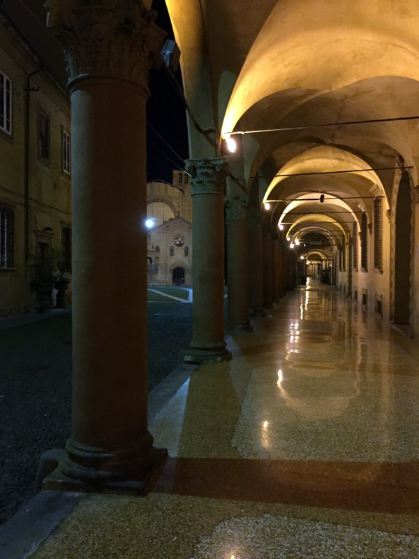 Going back by Piazza Santo Stefano